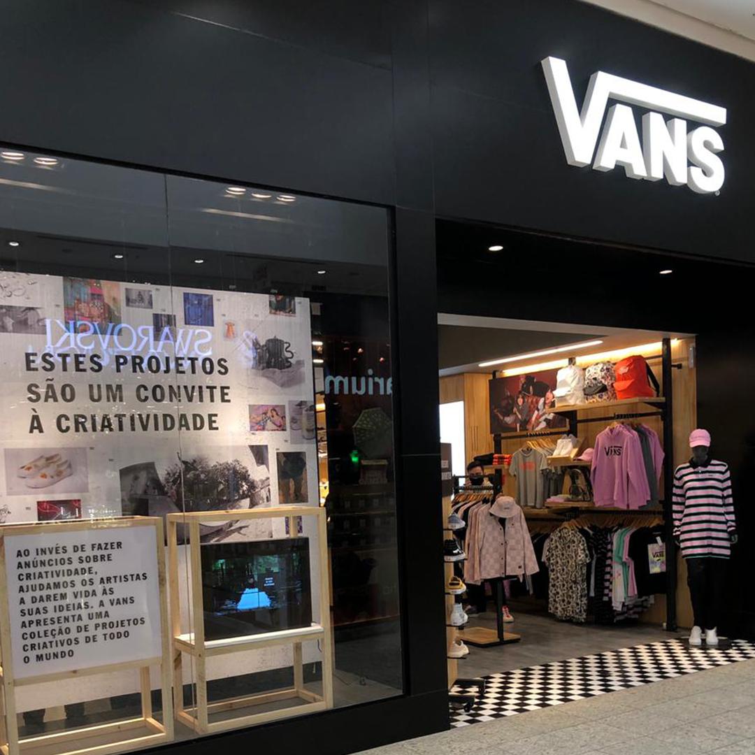 Vans inaugura no Balneário Shopping
